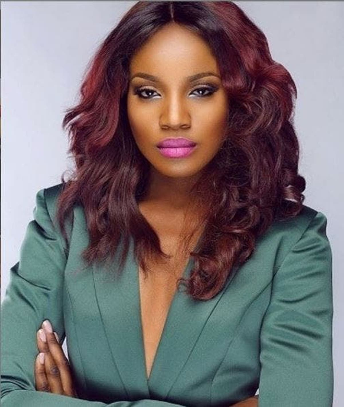fans-pressuring-me-to-get-married,-release-raunchy-photos-–-seyi-shay