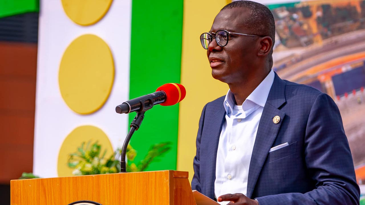 lagos-donates-equipment-to-schools,-reaffirms-commitment-to-grassroots-development