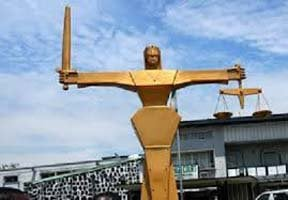 just-in:-heavy-security-as-masquerade-custodian,-chief-imam-arraigned-in-osun