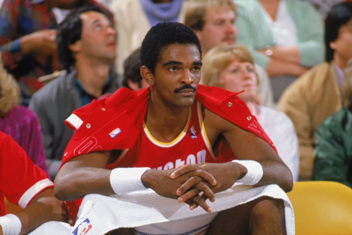 ralph-sampson-net-worth:-how-rich-is-the-former-basketball-player